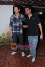 Dino Morea at Farah Ali Khan_s bday bash in Juhu on 27th Dec 2010 (3).JPG