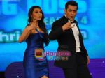 Rani and Salman on the sets of Big Boss on 27th Dec 2010.JPG