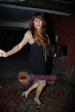 anusha dandekar at Farah Ali Khan_s bday bash in Juhu on 27th Dec 2010.JPG