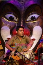 Kapil Sharma at Comedy Circus new season on location in Andheri on 28th Dec 2010 (5).JPG
