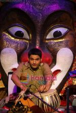 Kapil Sharma at Comedy Circus new season on location in Andheri on 28th Dec 2010 (6).JPG