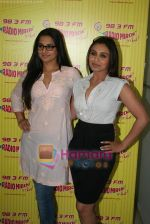 Rani Mukherjee, Vidya Balan at Radio Mirchi in Lower Parel, Mumbai on 28th Dec 2010 (43).JPG