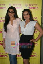 Rani Mukherjee, Vidya Balan at Radio Mirchi in Lower Parel, Mumbai on 28th Dec 2010 (46).JPG