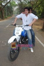 TV stars Shravan and Ranbir ( Karan Wahi) bike race in Filmcity, Mumbai on 28th Dec 2010 (3).JPG