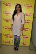 Vidya Balan at Radio Mirchi in Lower Parel, Mumbai on 28th Dec 2010 (12).JPG