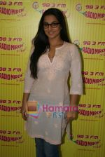 Vidya Balan at Radio Mirchi in Lower Parel, Mumbai on 28th Dec 2010 (16).JPG