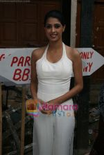 on the sets of Jhalak Dikhla Jaa in Filmistan, Mumbai on 29th Dec 2010 (3).JPG