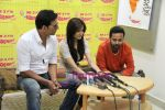 Akshay Kumar, Anushka Sharma unveil Patiala House music on Radio Mirchi in Mumbai on 3rd Jan 2011 (3).JPG