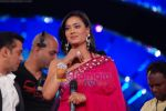 Shweta Tiwari at Big Boss season 4 grand finale on 8th Jan 2011 (100).JPG