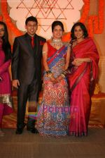 Vidya Balan at Sandesh Mayekar_s daughter Shivani_s wedding reception in Mahalaxmi Race Course on 8th Jan 2011 (4).JPG