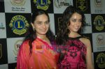 Shraddha Kapoor at Lions Gold Awards in Bhaidas Hall on 11th Jan 2011 (122).JPG