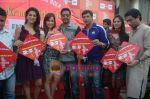 Kumar Mangat Pathak, Shraddha Das, Shazahn Padamsee, Ajay Devgan, Madhur Bhandarkar at Dil to Baccha Hai Ji kite flying event in Big FM, Andheri on 12th Jan 2011 (19).JPG