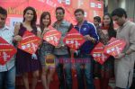 Kumar Mangat Pathak, Shraddha Das, Shazahn Padamsee, Ajay Devgan, Madhur Bhandarkar at Dil to Baccha Hai Ji kite flying event in Big FM, Andheri on 12th Jan 2011 (40).JPG