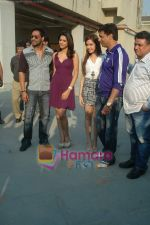 Kumar Mangat Pathak, Shraddha Das, Shazahn Padamsee, Ajay Devgan, Madhur Bhandarkar at Dil to Baccha Hai Ji kite flying event in Big FM, Andheri on 12th Jan 2011 (7).JPG