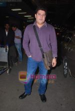 Sajid Khan leave for Zee Awards in Singapore in Mumbai Airport on 12th Jan 2011 (44).JPG