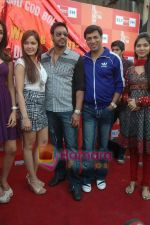 Shazahn Padamsee, Ajay Devgan, Madhur Bhandarkar at Dil to Baccha Hai Ji kite flying event in Big FM, Andheri on 12th Jan 2011 (2).JPG