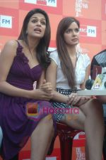 Shraddha Das, Shazahn Padamsee at Dil to Baccha Hai Ji kite flying event in Big FM, Andheri on 12th Jan 2011 (4).JPG