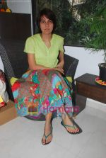 promote Turning 30 in a spa at Bandra, Mumbai on 12th Jan 2011 (12).JPG