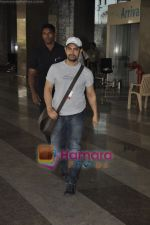 Aamir Khan returns from Dhobigh at Delhi Promotions in Airport, Mumbai on 14th Jan 2011.JPG