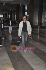 Bobby Deol returns from YPD delhi promotions in Airport, Mumbai on 14th Jan 2011 (13).JPG
