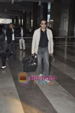 Bobby Deol returns from YPD delhi promotions in Airport, Mumbai on 14th Jan 2011.JPG