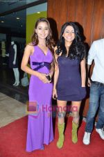 Sara, Sakshi Pradhan at Ashmit Patel_s birthday bash in Veda on 13th Jan 2011 (149).JPG