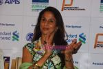 Shobha De promote Mumbai Marathon in Trident on 13th Jan 2011 (5).JPG