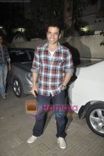 Tusshar Kapoor at Yamla Pagla Deewana screening by Rumi Jaffrey in Ketnav, Mumbai on 13th Jan 2011 (14).JPG