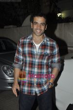 Tusshar Kapoor at Yamla Pagla Deewana screening by Rumi Jaffrey in Ketnav, Mumbai on 13th Jan 2011 (20).JPG
