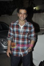 Tusshar Kapoor at Yamla Pagla Deewana screening by Rumi Jaffrey in Ketnav, Mumbai on 13th Jan 2011 (21).JPG