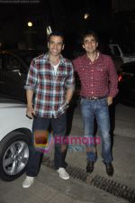 Tusshar Kapoor at Yamla Pagla Deewana screening by Rumi Jaffrey in Ketnav, Mumbai on 13th Jan 2011 (6).JPG