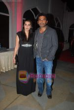 Sunil Shetty, Mana Shetty at Rose fashion show in Taj Hotel on 14th Jan 2011 (10).JPG