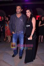 Sunil Shetty, Mana Shetty at Rose fashion show in Taj Hotel on 14th Jan 2011 (103).JPG