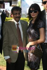 Aanchal Kumar at SIPL Race in Mahalaxmi Race Course on 16th Jan 2011 (2).JPG