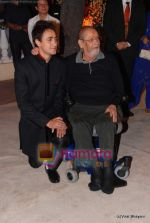 Imran Khan, Shammi Kapoor at  Imran Khan_s wedding reception in Taj Land_s End on 5th Feb 2011 (137).JPG