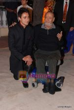 Imran Khan, Shammi Kapoor at  Imran Khan_s wedding reception in Taj Land_s End on 5th Feb 2011 (3).JPG