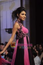 at Gitanjali Tour De India fashion  show in Trident, Mumbai on 6th Feb 2011 (216).JPG