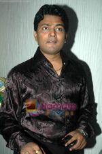 Navin Prabhakar at Taz_s film mahurat Chal Joothey in Blue Waters on 10th Feb 2011 (2).JPG