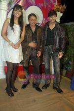 Ranjeet, Shaleen Bhanot, Daljeet Kaur at Taz_s film mahurat Chal Joothey in Blue Waters on 10th Feb 2011 (73).JPG