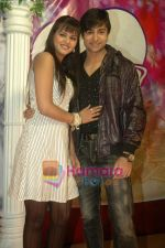 Shaleen Bhanot, Daljeet Kaur at Taz_s film mahurat Chal Joothey in Blue Waters on 10th Feb 2011 (4).JPG
