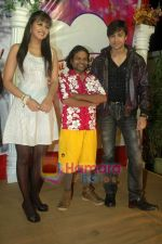 Shaleen Bhanot, Daljeet Kaur, Omkar Das at Taz_s film mahurat Chal Joothey in Blue Waters on 10th Feb 2011 (3).JPG