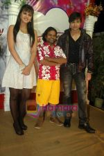 Shaleen Bhanot, Daljeet Kaur, Omkar Das at Taz_s film mahurat Chal Joothey in Blue Waters on 10th Feb 2011 (4).JPG