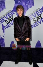 at Justin Bieber Never Say Never premiere on 10th Feb 2011 (10).JPG