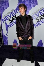 at Justin Bieber Never Say Never premiere on 10th Feb 2011 (25).JPG