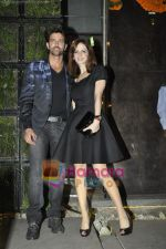 Hrithik Roshan, Suzanne Roshan at the Launch of Suzanne Roshan_s The Charcoal Project in Andheri, Mumbai on 27th Feb 2011 (8).JPG