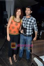 Hiten and Gauri Tejwani at Endemol bash in Vie Lounge on 28th Feb 2011 (5).JPG