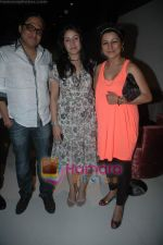 Hard Kaur, Sunidhi Chauhan, Shamir Tandon at Sunidhi Chauhan_s dinner party in Andheri on 3rd March 2011 (3).JPG