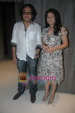 Shamir Tandon, Sunidhi Chauhan at Sunidhi Chauhan_s dinner party in Andheri on 3rd March 2011 (2).JPG