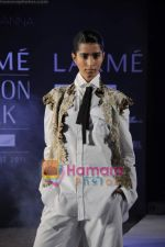on day 1 Lakme Fashion Week for designer Anamika Khanna in Tote on 10th March 2011 (100).JPG