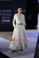 on day 1 Lakme Fashion Week for designer Anamika Khanna in Tote on 10th March 2011 (109).JPG